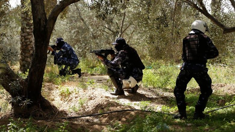 """حماس: مقتل """"المطلوب الرئيسي"""" في تفجير موكب رئيس الوزراء.. وعباس يطالبها بتسليم غزة"""