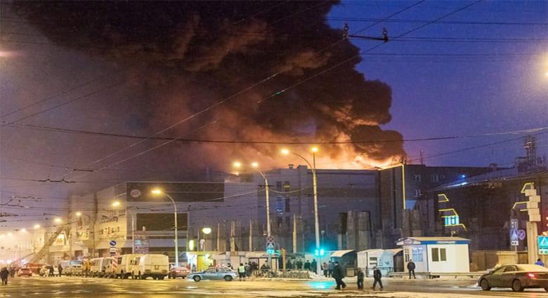 حريق بمركز للتسوق في روسيا يودي بحياة العشرات