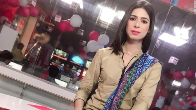 شاهد.. أول ظهور لمذيعة أخبار متحولة جنسيا في باكستان