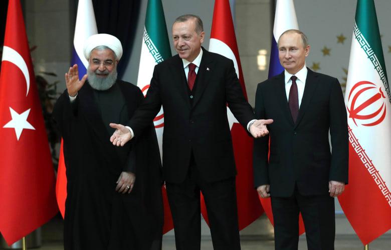 قرقاش عن الاجتماع الروسي التركي الإيراني حول سوريا: دليل على حال العالم العربي