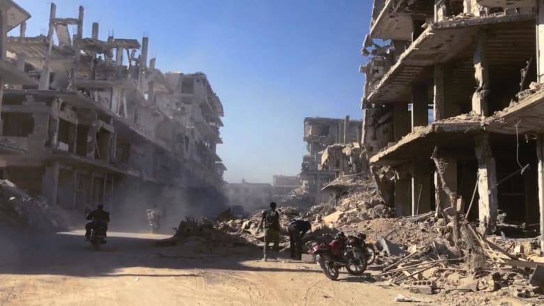 سوريا.. مقتل العشرات بهجوم كيماوي محتمل.. والنظام ينفي
