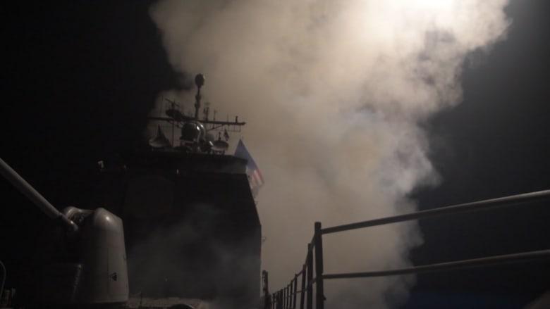 شاهد.. لحظة إطلاق الصواريخ الأمريكية على سوريا