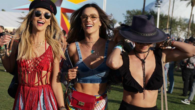 ما سر تشابه كل الفتيات في هذه الحفلة الموسيقة؟