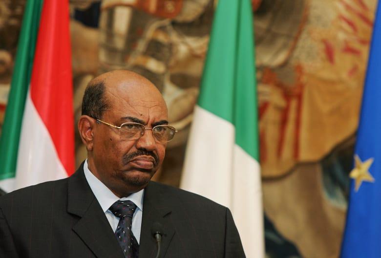 البشير يصدر قرارا بإعفاء غندور من منصبه كوزير للخارجية السودانية