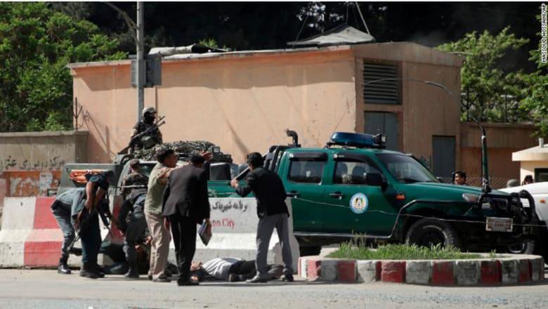 مقتل 29 شخصا بينهم 8 صحفيين إثر انفجارين في أفغانستان