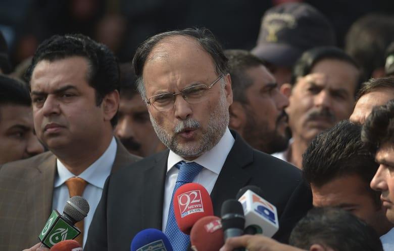 إصابة وزير الداخلية الباكستاني بحادثة إطلاق نار في بنجاب