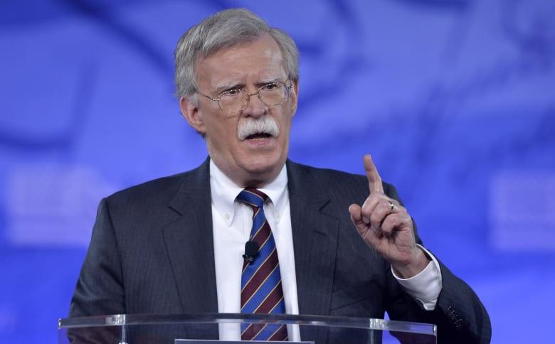 مستشار ترامب للأمن القومي: العقوبات على الشركات المتعاملة مع إيران أمر وارد