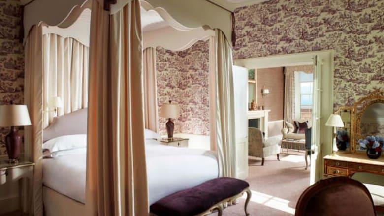 بالصور..داخل غرفتي الأمير هاري وميغان ماركل عشية زفافهما