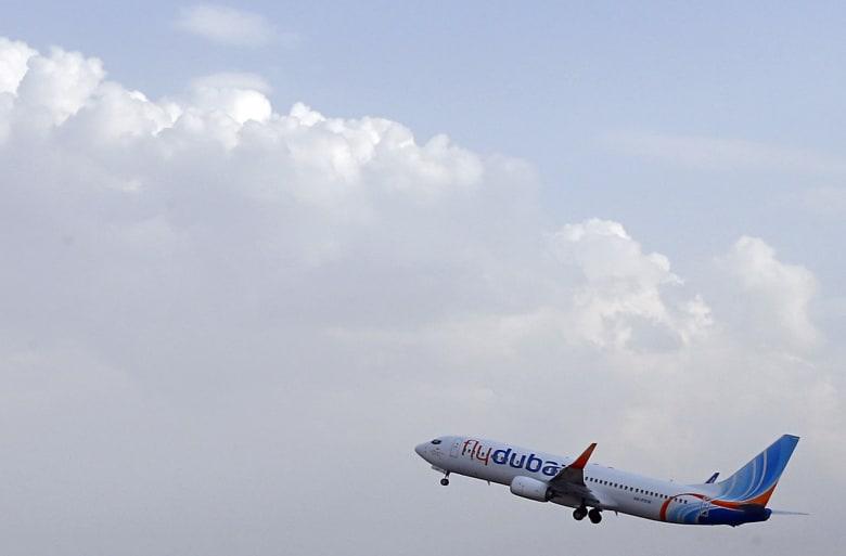 """هيئة الطيران المدني الإماراتية تنفي اختطاف طائرة لـ""""فلاي دبي"""" فوق إيران"""