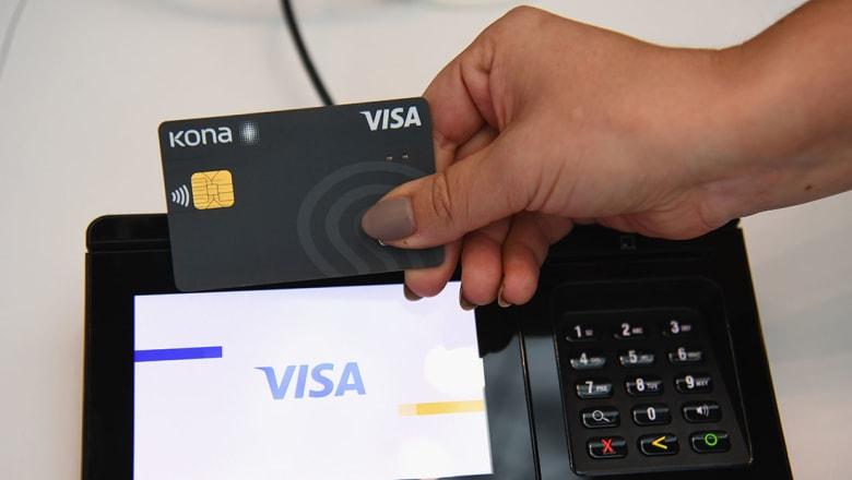 خلل يضرب خدمات بطاقات فيزا الائتمانية.. والشركة تحقق