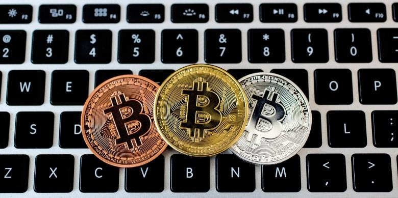 ماذا يعني مصطلح Forking في عالم العملات الرقمية؟