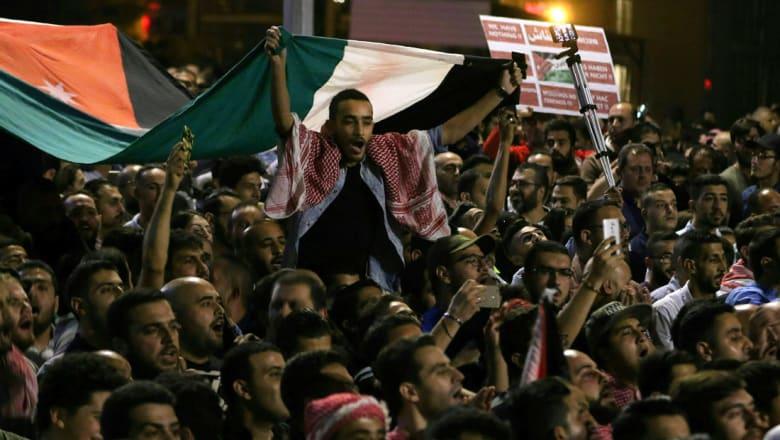 عامر السبايلة يكتب لـCNN: مخطئ من يعتقد أن معركة الأردنيين هي مع قانون ضريبة دخل