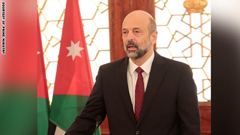 من هو عمر الرزاز.. رئيس وزراء الأردن الجديد؟