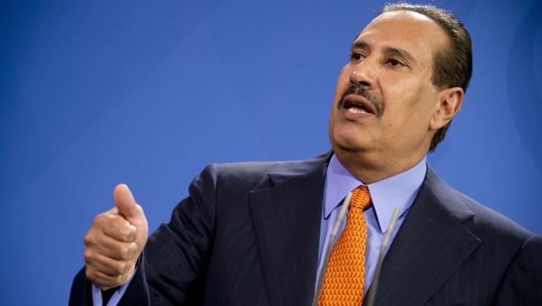 """حمد بن جاسم: أثق بقدرة الملك سلمان """"كبير العائلة الخليجية"""" على تصويب الأمور.. والقحطاني يرد"""