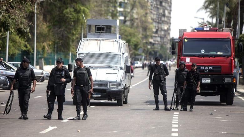 """حقوق الإنسان تنتقد """"الاعتقالات الأخيرة"""" بمصر.. والبرادعي: كيف تساعد مثل هذه التقارير؟"""
