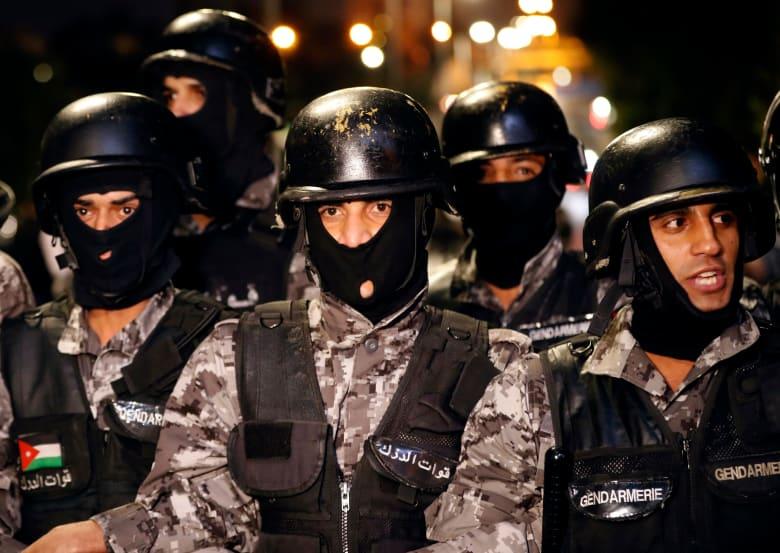 الأردن: إصابة أحد رجال الأمن بحادثة طعن وحالته سيئة
