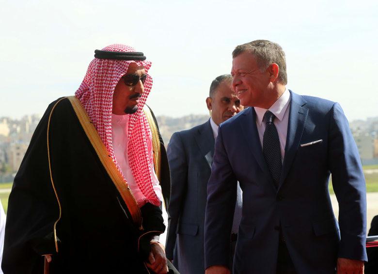 شيخ قطري معارض حول غياب قطر عن اجتماع مكة لدعم الأردن: أعذرنا يا خادم الحرمين