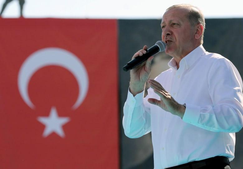 أردوغان يحذر النمسا من إشعال صراع جديد بين الهلال والصليب