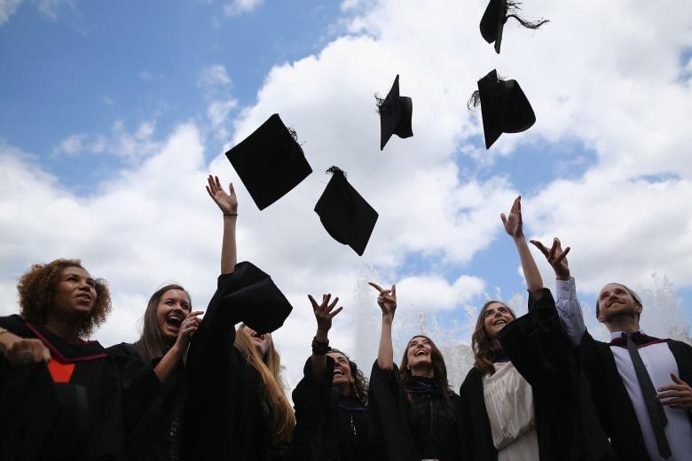 كيف تنجح في إيجاد وظيفة مباشرة بعد التخرج؟