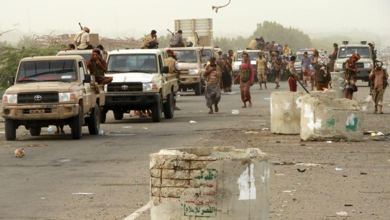 هادي يصل عدن للإشراف على عملية الحديدة: ساعة الانتصار اقتربت