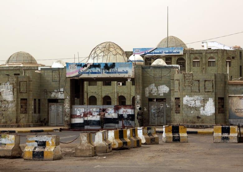 قرقاش: تحرير الحديدة يفتح الطريق لعملية سياسية وسلام باليمن
