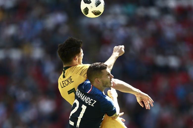 فرنسا تخطف فوزا صعبا من أستراليا دون أن ترضي جماهيرها