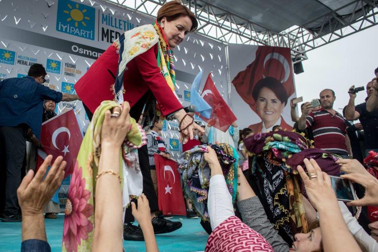 """""""المرأة الذئب"""" تسعى إلى الإطاحة بأردوغان"""