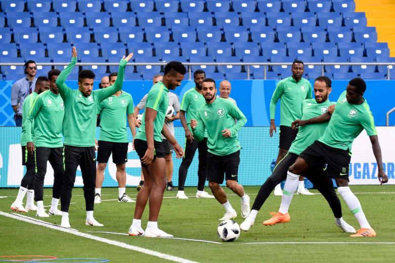تيسير الجاسم: حرارة الطقس لن تؤثر وسنقدم مباراة تسعد السعوديين أمام الأوروغواي