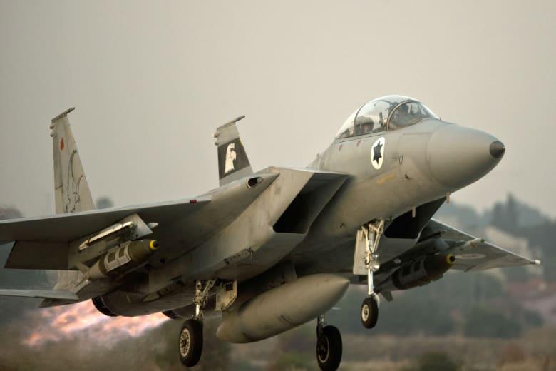إسرائيل: استهداف 25 موقعا بغزة بعد إطلاق 45 صاروخا من القطاع