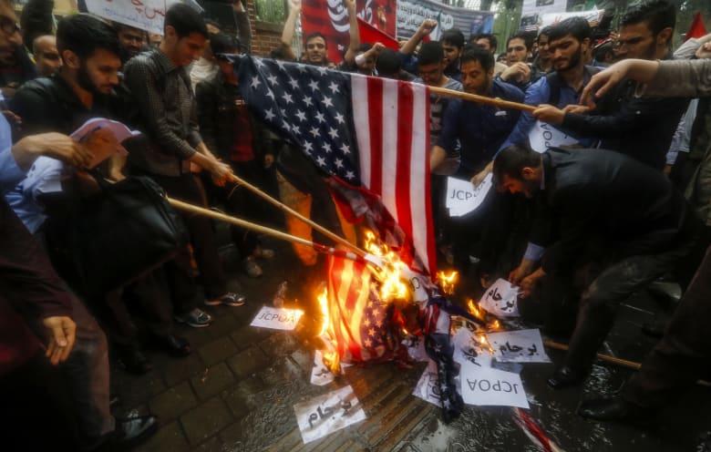 """إيران تحذر من """"مستقبل مرعب"""" للمنطقة إذا انهار الاتفاق النووي"""