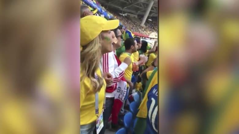 شاهد جنون المشجعين البرازليين لحظة فوز منتخبهم
