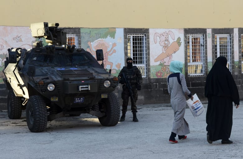 بدء انتخابات تركيا.. طائرات موجهة ومدرعات وانتشار للشرطة لتأمين الحدث