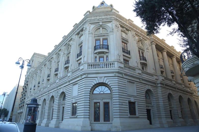 استكشف شغف أذربيجان للمسرح في العاصمة باكو!