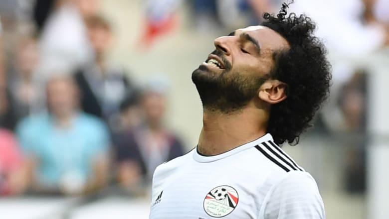 """""""إحنا آسفين يا صلاح"""".. المصريون يساندون أبومكة ويطالبون بإقالة اتحاد الكرة"""