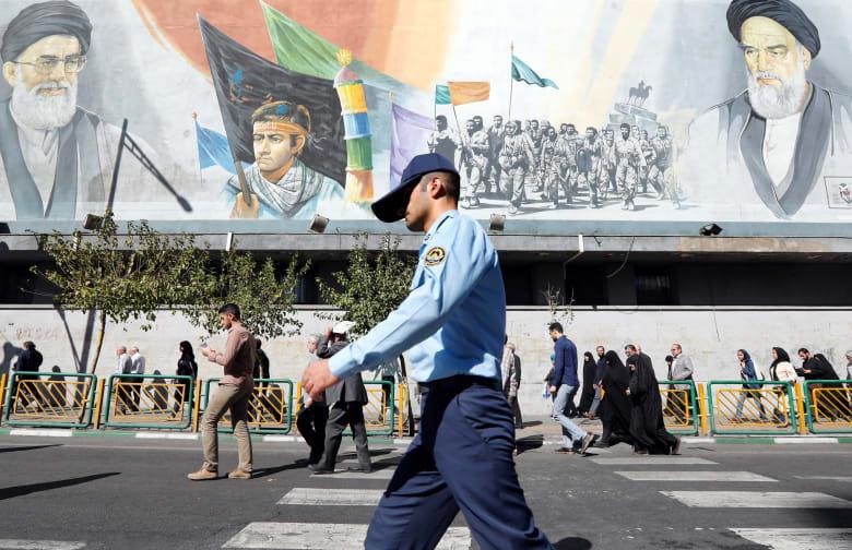 قرقاش: الحراك الشعبي المتجدد بإيران سببه التدخل بالشأن العربي