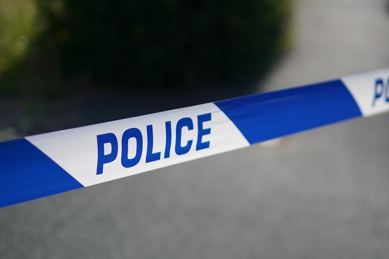 """الشرطة البريطانية تحقق بعد تعرض شخصين لـ""""مادة مجهولة"""""""