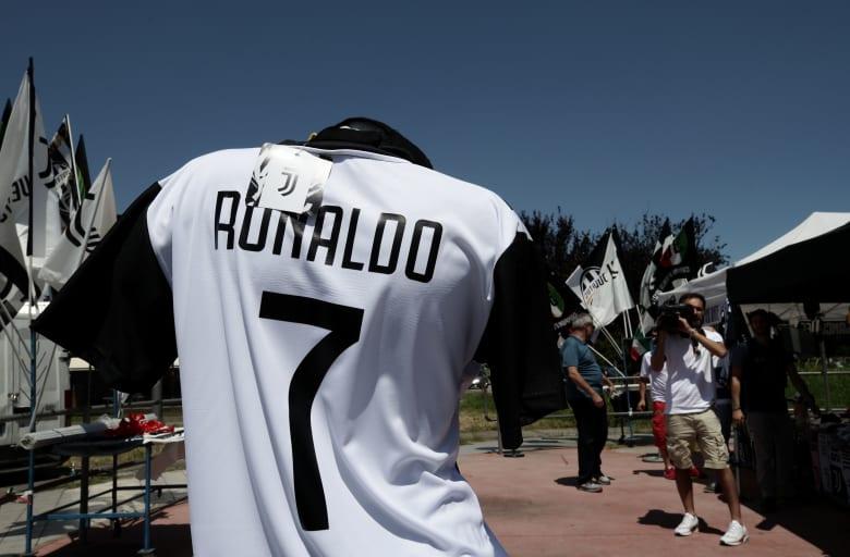 رحيل كريستيانو رونالدو من ريال مدريد إلى يوفنتوس.. بين التصديق والتكذيب