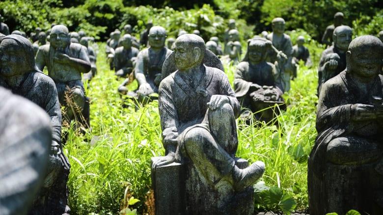 لا تغمض عينيك! جولة في حديقة التماثيل المهجورة باليابان