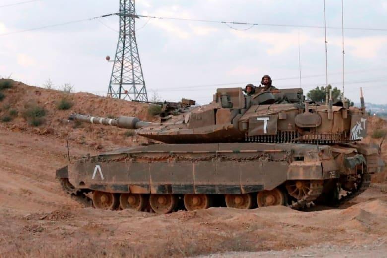 """دبابة إسرائيلية تستهدف موقعا لـ""""حماس"""" في غزةإسرائيل تعلن سبب استهداف موقع لـ""""حماس"""" بعد ساعات من """"الهدنة"""""""