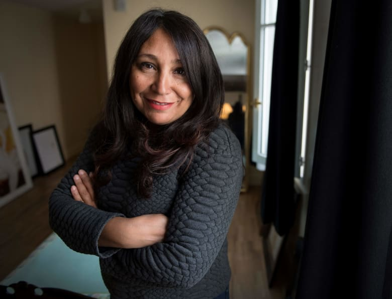 المخرجة السعودية هيفاء المنصور ترد على مزاعم استعدادها للتعاون مع منتجين إسرائيليين