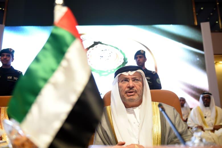 قرقاش يشدد على وقوف الإمارات مع السعودية في الدفاع عن سيادتها