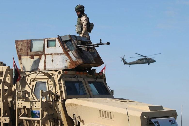 """ضربة جوية عراقية تستهدف """"غرفة عمليات داعش"""" في سوريا"""