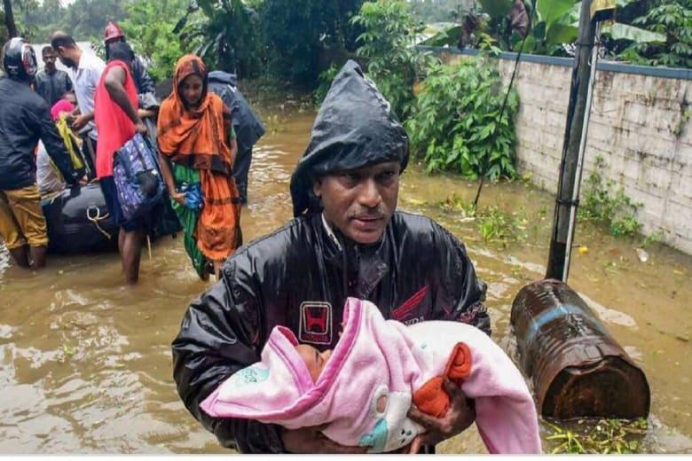 """لجنة إماراتية عاجلة لـ""""إغاثة"""" ولاية كيرالا الهندية.. ومحمد بن راشد: واجب"""