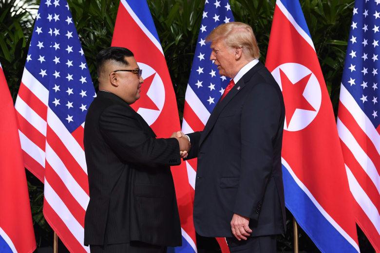 ترامب يتحدث عن إمكانية عقد قمة جديدة مع كيم