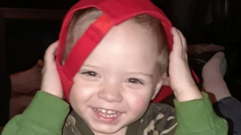 """احتفالات مبكرة بـ""""عيد الميلاد"""" بسبب طفل مصاب بسرطان مميت"""