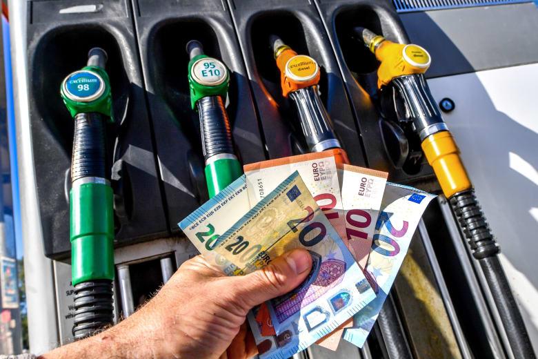 هل تستطيع السعودية إنقاذ سوق النفط من تأثيرات العقوبات على إيران؟