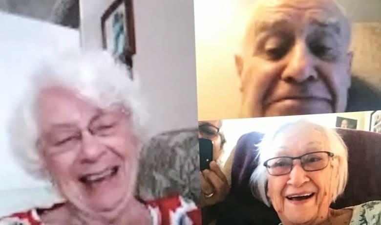 بعد 88 عاماً.. عناق لأول مرة بين سيدة وشقيقة لم تعرف عنها