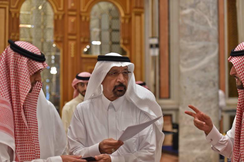 تراجع حاد لأسعار النفط وسط تطمينات سعودية