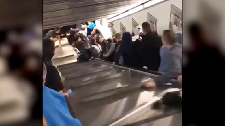 مشهد مرعب.. إصابة 20 شخصاً بعد تحرك سلّم مكتظ بسرعة عالية في روما