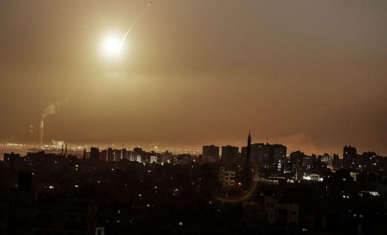 """الجيش الإسرائيلي: رصدنا إطلاق 12 صاروخا من غزة.. واعترضنا بعضها بـ""""القبة الحديدية"""""""